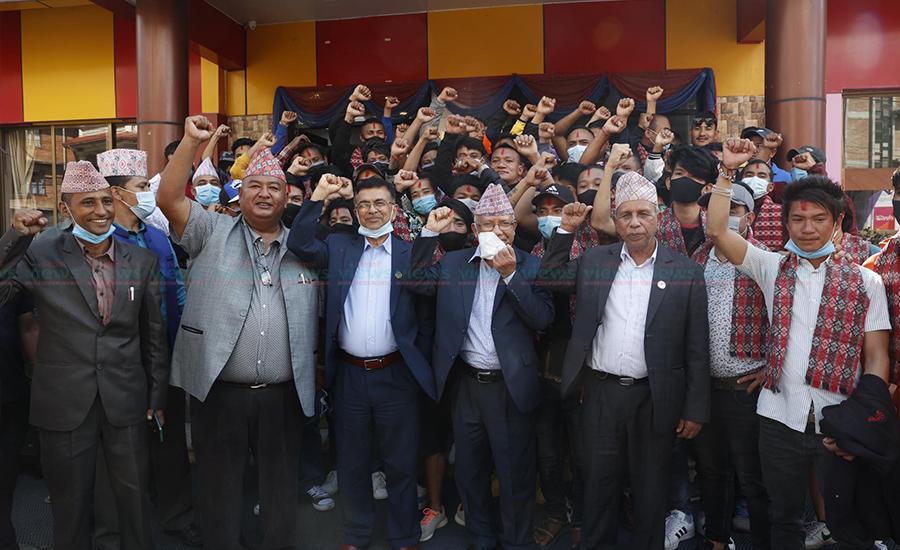 नेकपा (एस) को ठहर : केपी ओलीबाट गणतन्त्र खतरामा