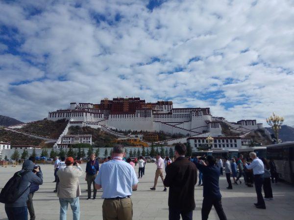 तिब्बतले काँचुली फेरिसक्यो हामीले कहिले?